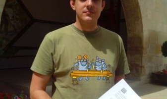 Vicent López presenta la moció al Ajuntament de Novelda